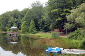 crystal-creek-ranch-paddleboat-3